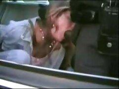 ピックアップフランク弄女の子の車 女性 動画 乳首