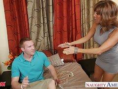 男は美しいブロンドの穴を利用する準備ができています 無料 エロ 女性