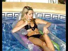 ブルネット、金髪の女の子を見つけるの秘密へ性別 アダルト 動画 無料 女性