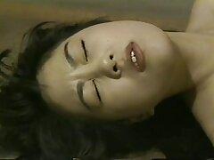 茶色の髪のベッドの女の子のために常に良い アダルト 動画 女