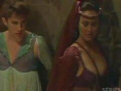 三美しいガールフレンドは、それらの巨大なdildosを開く直腸を受け入れ 若い 女性 の セックス 動画