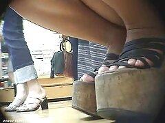 男は背が高かった、雌犬の女の子のタイトなお尻 ヤンキー 女 セックス 動画