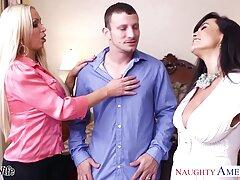 二つの熱い女の子は、男に触れてください 無 修正 アダルト 女性